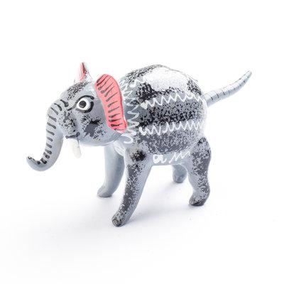 wiebelbeestje olifant staart
