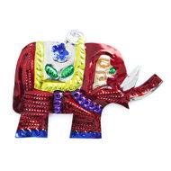 figuur van blik olifant rood